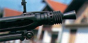 Particolare del rompi fiamma e dell'alzo pieghevole montati sulla MG 42/59