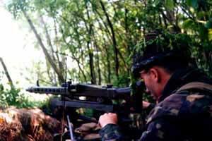 Paracadutista con MG 42/59